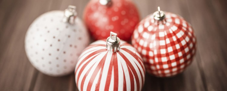 Single red coloured christmas decorations